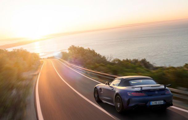 Mercedes-AMG a prezentat noul AMG GT R Roadster: 585 de cai putere și 3.6 secunde pentru sprintul de la 0 la 100 km/h - Poza 5
