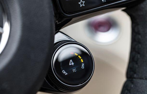 Mercedes-AMG a prezentat noul AMG GT R Roadster: 585 de cai putere și 3.6 secunde pentru sprintul de la 0 la 100 km/h - Poza 22