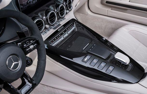 Mercedes-AMG a prezentat noul AMG GT R Roadster: 585 de cai putere și 3.6 secunde pentru sprintul de la 0 la 100 km/h - Poza 24