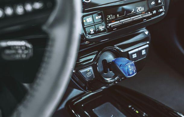 Toyota Prius facelift vine în premieră europeană la Geneva: tracțiunea integrală AWD-i este disponibilă opțional - Poza 16