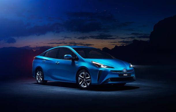 Toyota Prius facelift vine în premieră europeană la Geneva: tracțiunea integrală AWD-i este disponibilă opțional - Poza 1