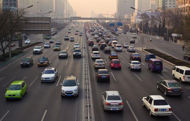 Cea mai mare piață auto din lume nu își revine: opt luni de scăderi consecutive pentru vânzările de mașini din China: declin de 14% în februarie - Poza 1
