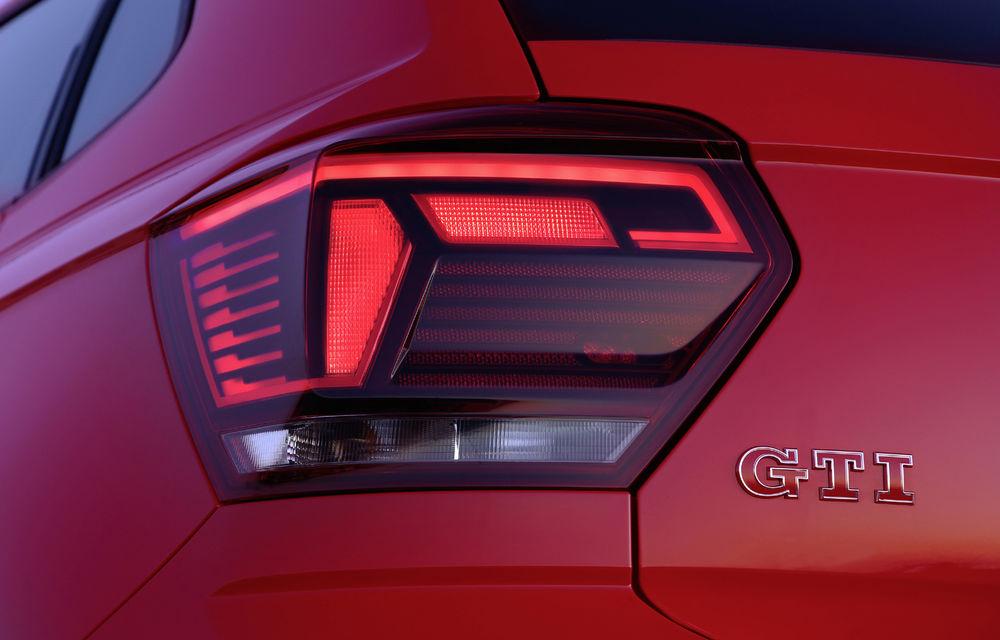 Primele detalii despre Volkswagen Golf 8 GTI și Golf 8 R: cele două modele se lansează în 2020 - Poza 1