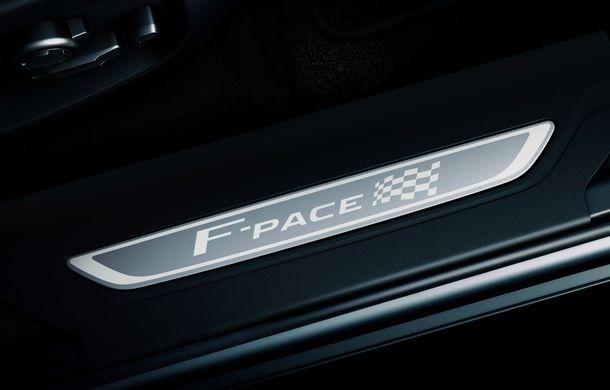 Ediții speciale pentru Jaguar F-Pace: SUV-ul britanic poate fi comandat în versiunile 300 Sport și Chequered Flag - Poza 11