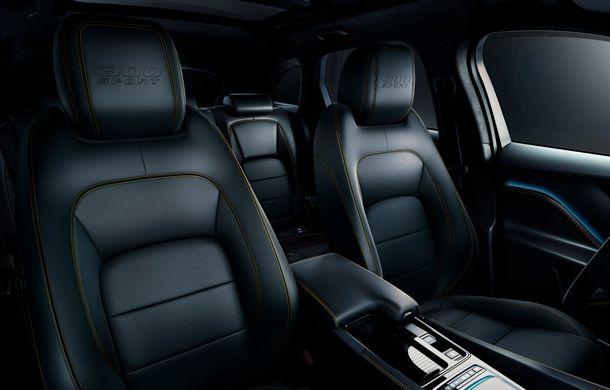 Ediții speciale pentru Jaguar F-Pace: SUV-ul britanic poate fi comandat în versiunile 300 Sport și Chequered Flag - Poza 7