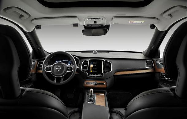 Volvo va introduce o nouă măsură de siguranță: mașina va încetini și parca singură dacă detectează că șoferul este sub influența alcoolului - Poza 1