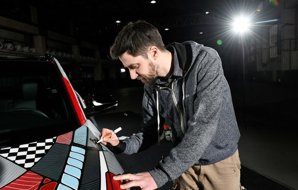 Hyundai promovează noul Tucson N Line într-un mod special: un exemplar a fost transformat în Art Car - Poza 21