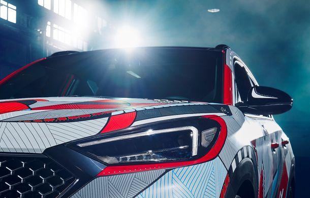 Hyundai promovează noul Tucson N Line într-un mod special: un exemplar a fost transformat în Art Car - Poza 10