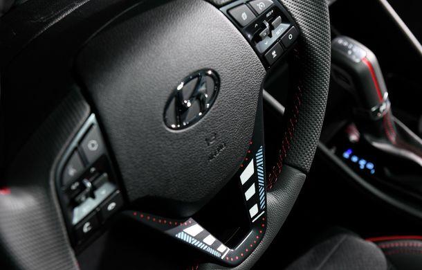 Hyundai promovează noul Tucson N Line într-un mod special: un exemplar a fost transformat în Art Car - Poza 14