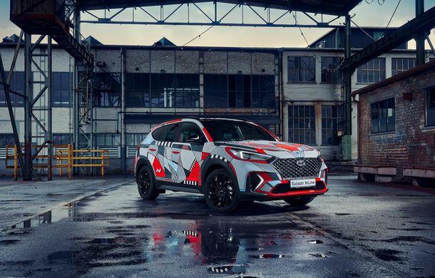 Hyundai promovează noul Tucson N Line într-un mod special: un exemplar a fost transformat în Art Car - Poza 12
