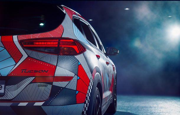Hyundai promovează noul Tucson N Line într-un mod special: un exemplar a fost transformat în Art Car - Poza 9