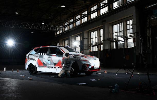 Hyundai promovează noul Tucson N Line într-un mod special: un exemplar a fost transformat în Art Car - Poza 18