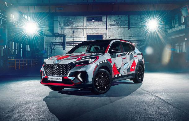 Hyundai promovează noul Tucson N Line într-un mod special: un exemplar a fost transformat în Art Car - Poza 1