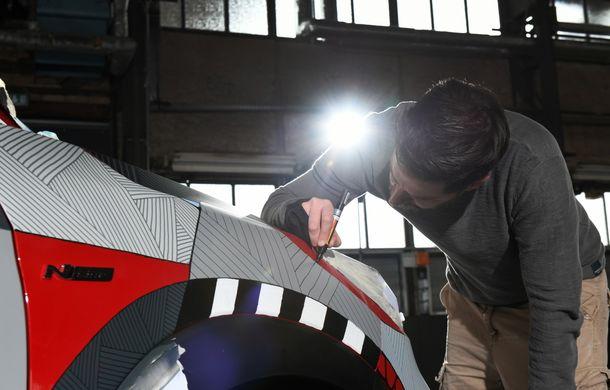 Hyundai promovează noul Tucson N Line într-un mod special: un exemplar a fost transformat în Art Car - Poza 26