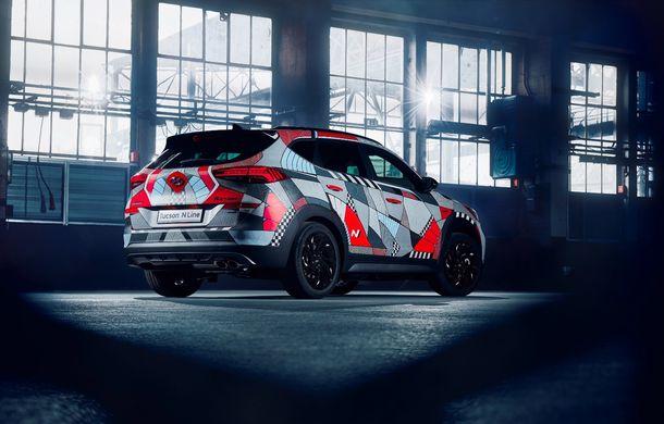 Hyundai promovează noul Tucson N Line într-un mod special: un exemplar a fost transformat în Art Car - Poza 5