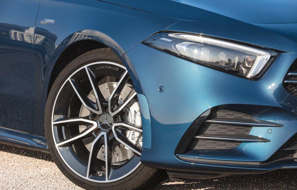 Mercedes a prezentat noul AMG A35 Sedan: 306 CP, tracțiune integrală și 0-100 km/h în 4.8 secunde - Poza 17