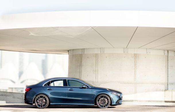 Mercedes a prezentat noul AMG A35 Sedan: 306 CP, tracțiune integrală și 0-100 km/h în 4.8 secunde - Poza 5