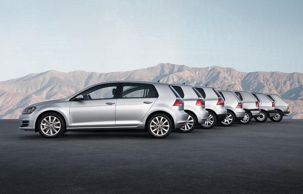 Volkswagen Golf sărbătorește 45 de ani de la startul producției: compacta germană s-a vândut în peste 35 de milioane de unități - Poza 2