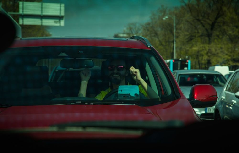 Comparativ de consum: Honda CR-V hibrid vs. Honda CR-V benzină în traficul din București - Poza 24
