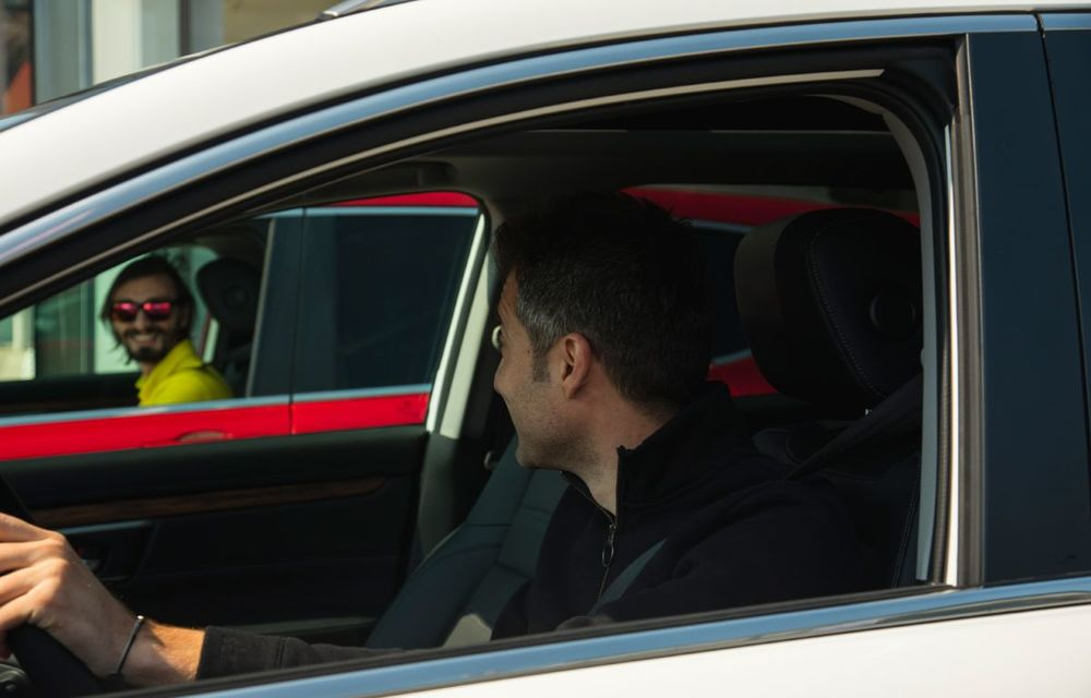 Comparativ de consum: Honda CR-V hibrid vs. Honda CR-V benzină în traficul din București - Poza 2