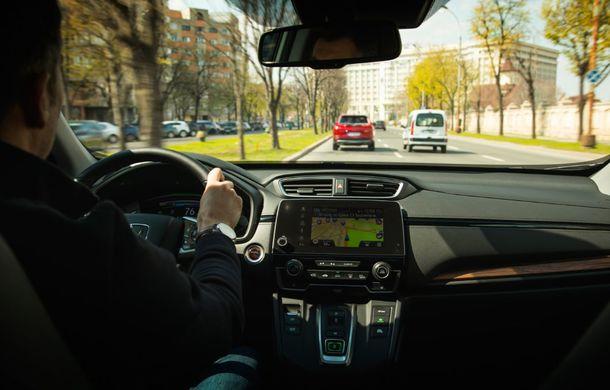 Comparativ de consum: Honda CR-V hibrid vs. Honda CR-V benzină în traficul din București - Poza 43