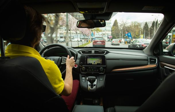 Comparativ de consum: Honda CR-V hibrid vs. Honda CR-V benzină în traficul din București - Poza 49