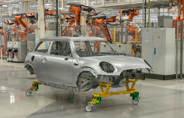 Pregătiri pentru Brexit: BMW va închide fabrica Mini din Marea Britanie pentru 4 săptămâni - Poza 1