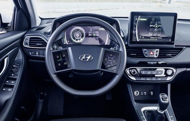 Hyundai dezvoltă prototipul unui cockpit digital: sud-coreenii vor să integreze două ecrane pe volan - Poza 4