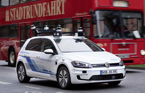 Volkswagen a început testele cu mașini autonome: cinci unități e-Golf folosesc un traseu de 3 kilometri din Hamburg - Poza 2