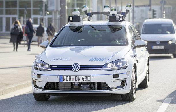 Volkswagen a început testele cu mașini autonome: cinci unități e-Golf folosesc un traseu de 3 kilometri din Hamburg - Poza 1