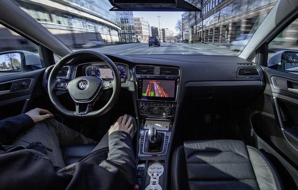 Volkswagen a început testele cu mașini autonome: cinci unități e-Golf folosesc un traseu de 3 kilometri din Hamburg - Poza 5