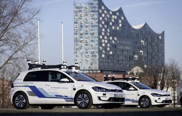 Volkswagen a început testele cu mașini autonome: cinci unități e-Golf folosesc un traseu de 3 kilometri din Hamburg - Poza 3