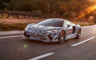 McLaren prezintă imagini noi cu viitorul său Grand Tourer: noul model cu motor V8 va fi dezvăluit în luna mai