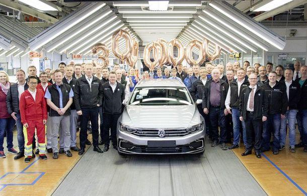 Volkswagen Passat sărbătorește 30 de milioane de unități produse: primul Passat a fost lansat acum 46 de ani - Poza 1