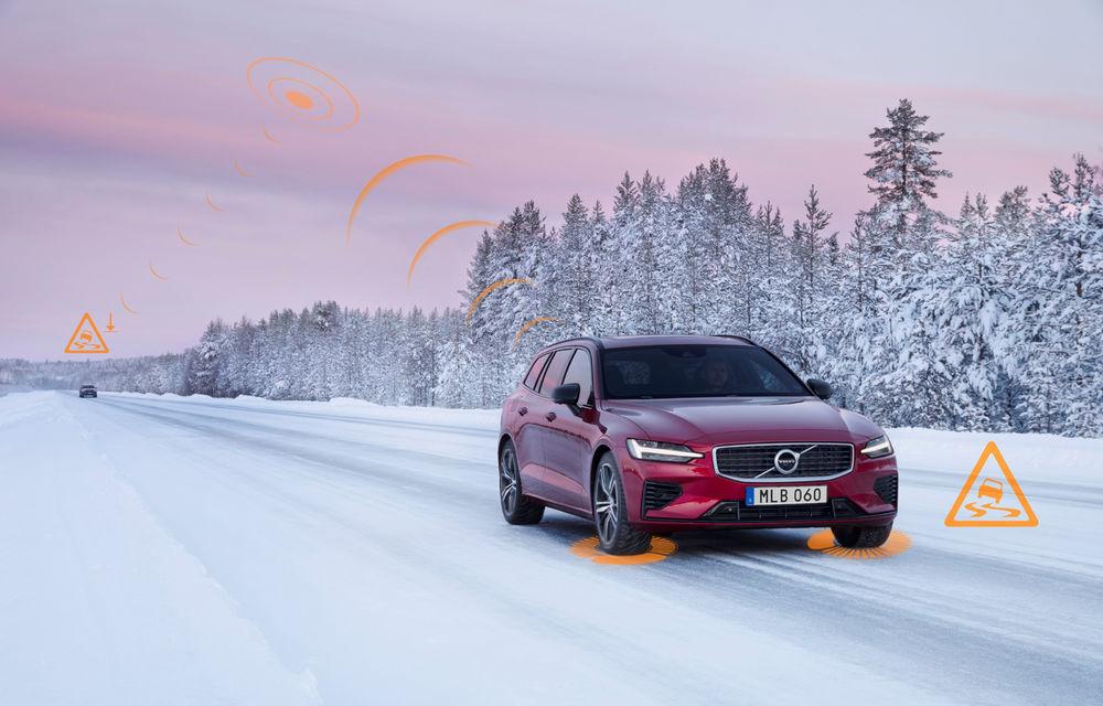 Volvo lansează în Europa două sisteme care trimit avertizări în timp real despre accidente și condițiile de drum: mașinile vor comunica între ele - Poza 2