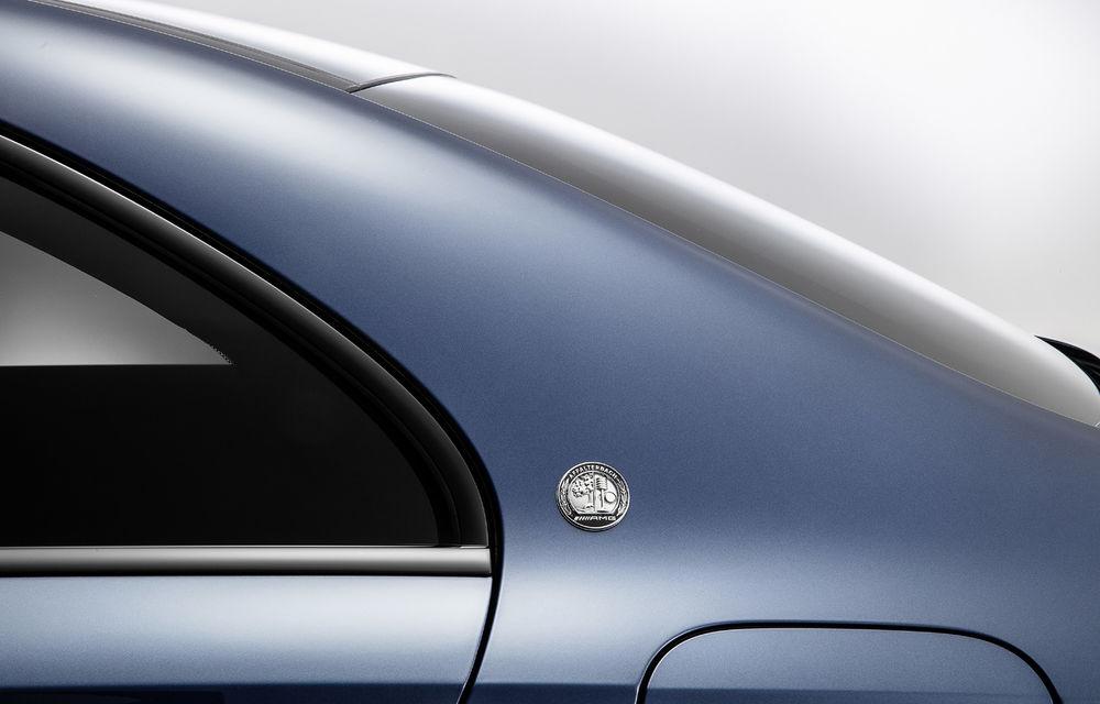 Mercedes-AMG A35 L: sedanul de performanță primește o versiune cu ampatament mărit pentru China - Poza 7