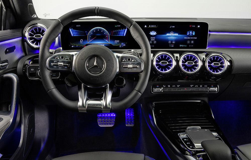 Mercedes-AMG A35 L: sedanul de performanță primește o versiune cu ampatament mărit pentru China - Poza 12