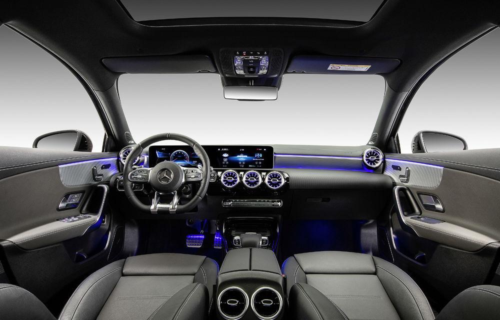 Mercedes-AMG A35 L: sedanul de performanță primește o versiune cu ampatament mărit pentru China - Poza 9