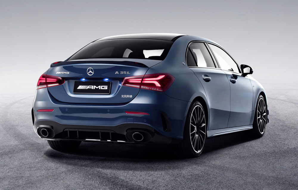 Mercedes-AMG A35 L: sedanul de performanță primește o versiune cu ampatament mărit pentru China - Poza 5