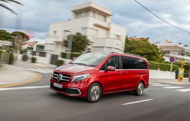 Test drive Mercedes-Benz Clasa V facelift