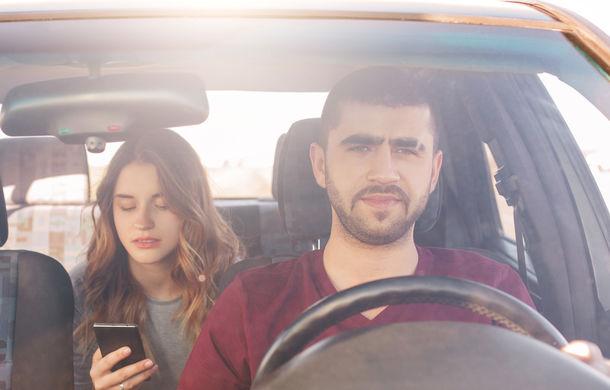 Studiu european: 54% dintre șoferi spun că neatenția la volan este principala cauză pentru accidentele mortale: 24% dintre ei scriu SMS-uri la volan - Poza 1