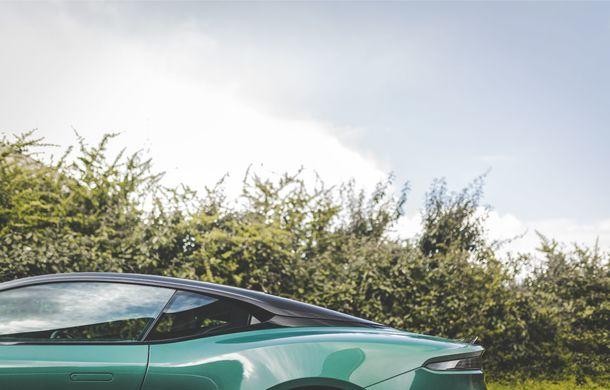 Aston Martin prezintă ediția limitată DBS 59: 24 de exemplare DBS Superleggera special create în cinstea victoriei de la Le Mans din 1959 - Poza 10