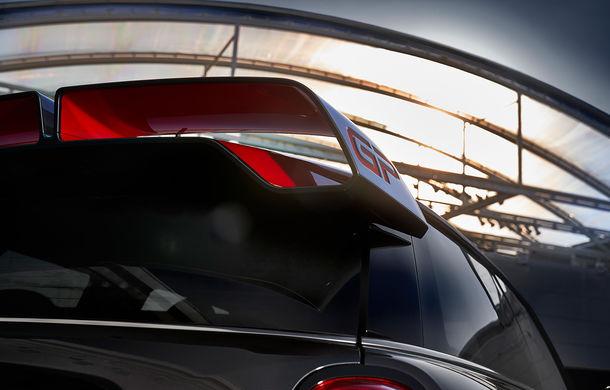 Viitorul Mini John Cooper Works GP, spionat pe Nurburgring: Hot Hatch-ul va fi produs în 3.000 de unități și va avea un motor de peste 300 CP - Poza 1