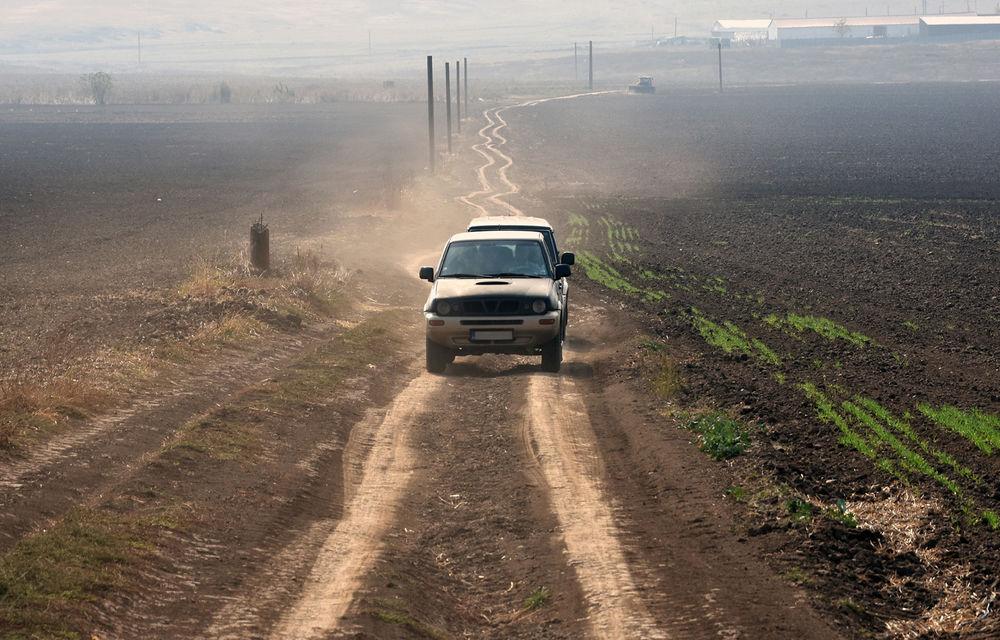 Infrastructura rutieră a României în 2018: o treime dintre drumuri sunt pietruite și de pământ și doar 4.6% dintre drumurile naționale sunt autostrăzi - Poza 1