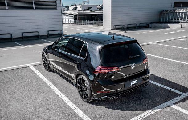 Tunerul ABT și-a îndreptat atenția către Volkswagen Golf R: Hot Hatch-ul nemților primește o suspensie mai rigidă și un plus de 50 CP - Poza 4