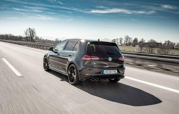 Tunerul ABT și-a îndreptat atenția către Volkswagen Golf R: Hot Hatch-ul nemților primește o suspensie mai rigidă și un plus de 50 CP - Poza 3