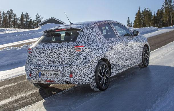 Primele imagini sub camuflaj cu noua generație Opel Corsa: vânzările încep în vară inclusiv pentru versiunea electrică - Poza 6