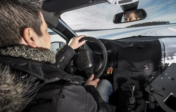Primele imagini sub camuflaj cu noua generație Opel Corsa: vânzările încep în vară inclusiv pentru versiunea electrică - Poza 13
