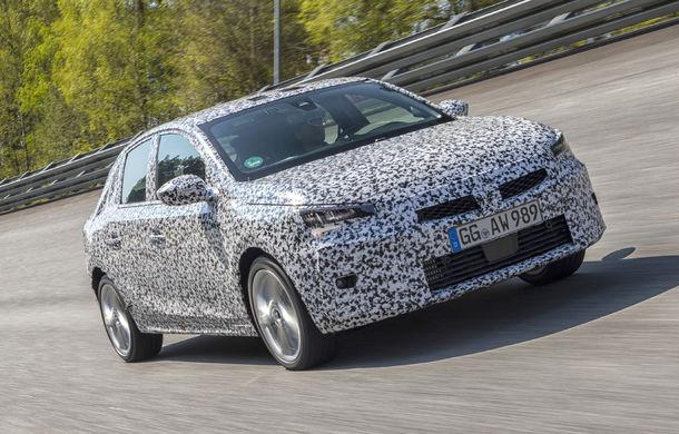 Primele imagini sub camuflaj cu noua generație Opel Corsa: vânzările încep în vară inclusiv pentru versiunea electrică - Poza 2
