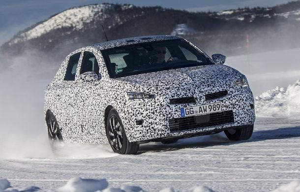 Primele imagini sub camuflaj cu noua generație Opel Corsa: vânzările încep în vară inclusiv pentru versiunea electrică - Poza 1